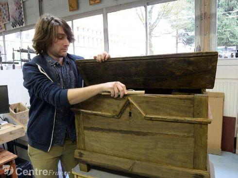 l 39 afpa de limoges restauration de mobilier. Black Bedroom Furniture Sets. Home Design Ideas